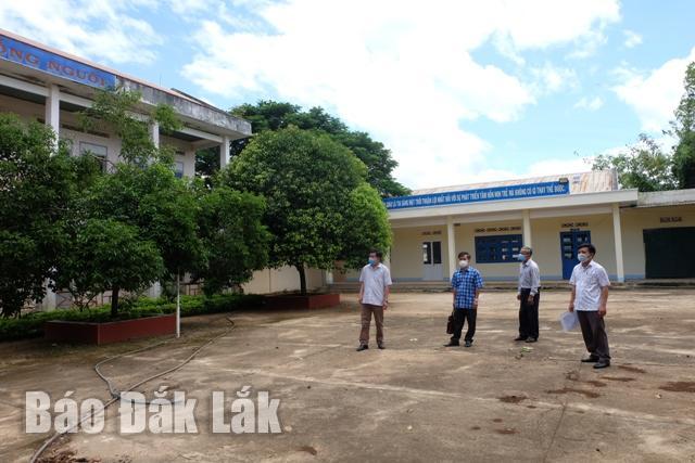 Phòng Giáo dục - Đào tạo huyện Krông Pắc kiểm tra công tác phòng chống dịch tại các trường học trên địa bàn huyện