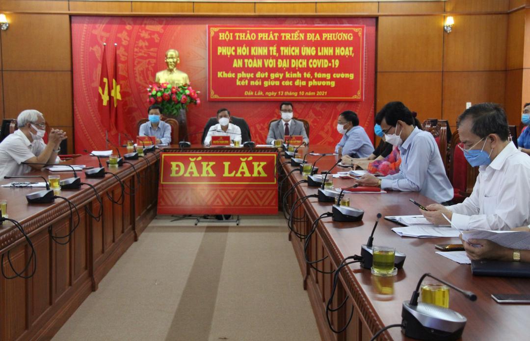 Các đại biểu dự hội thảo tại điểm cầu Đắk Lắk