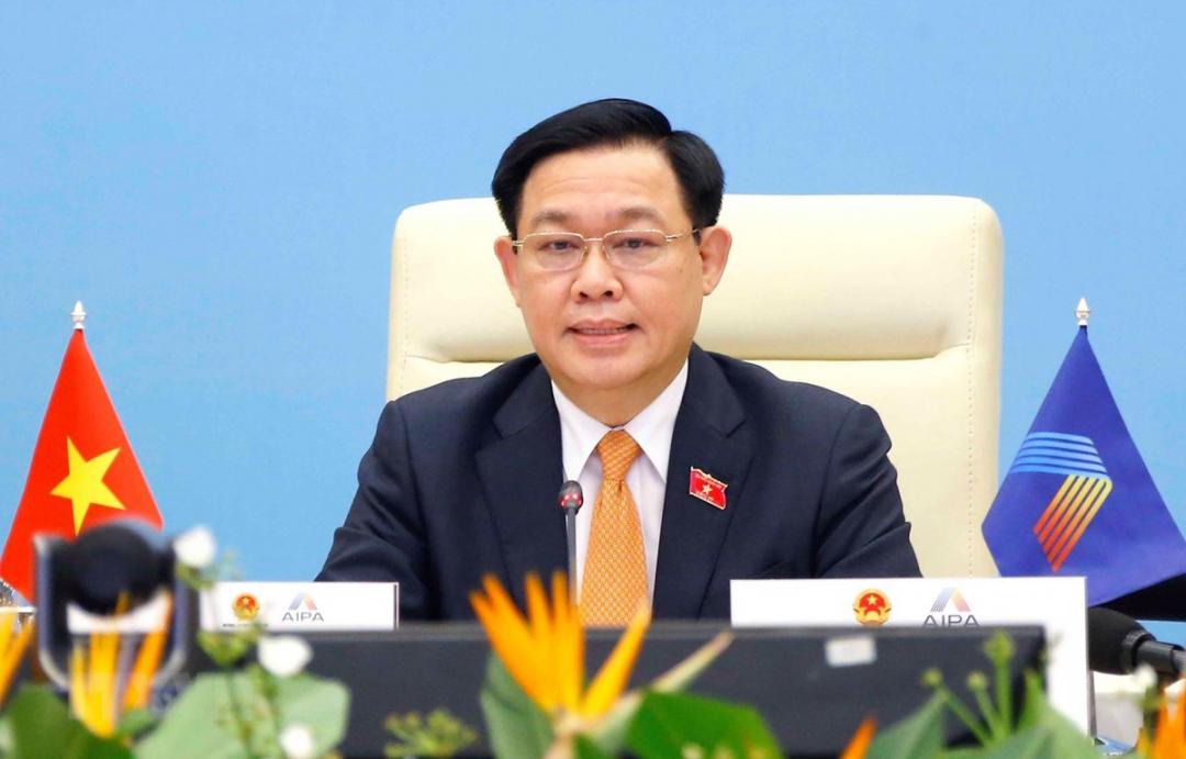 Chủ tịch Quốc hội Vương Đình Huệ phát biểu. (Ảnh: TTXVN)