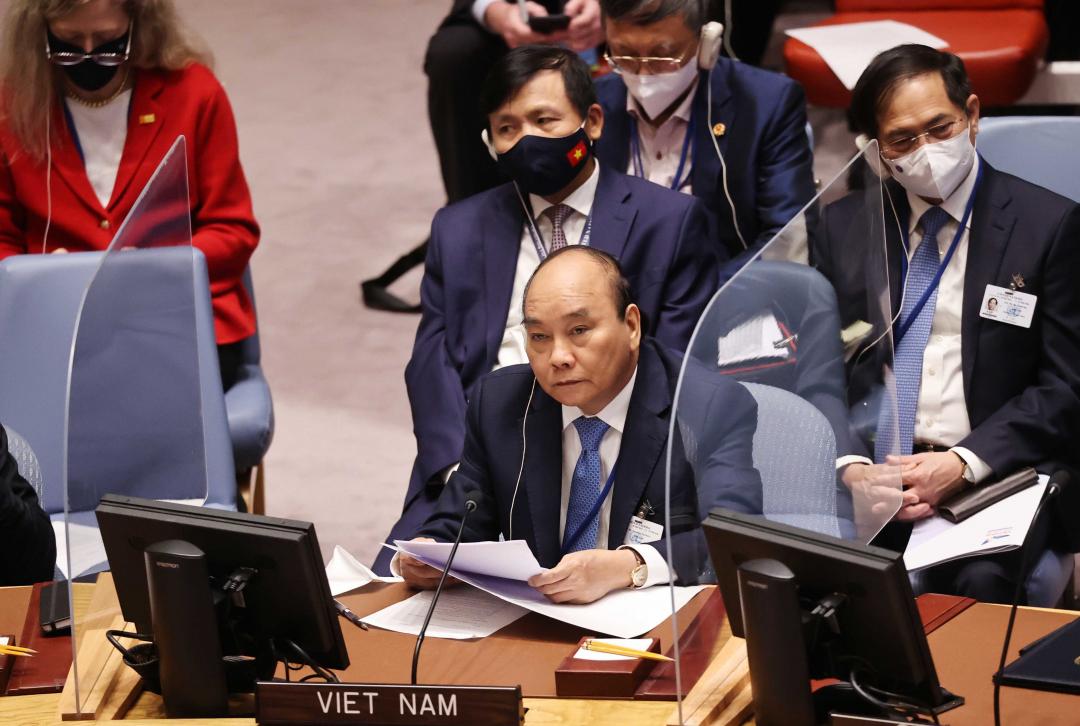 Chủ tịch nước Nguyễn Xuân Phúc phát biểu tại Phiên họp. (Ảnh: Thống Nhất/TTXVN)